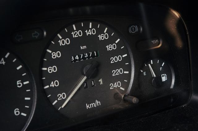 347 ezer kilométeren is túl van már a 2003-as Ford Transit kisteherautó. Ez látszik is rajta, de még szolgál