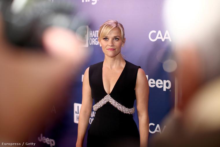 Reese Witherspoon egy olyan gálán, amit Sean Penn rendezett Haiti megsegítésére, idén már negyedszer