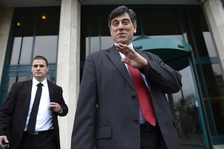 André Goodfriend az Egyesült Államok budapesti nagykövetsége követtanácsosa távozik a Külügyminisztérium épületéből 2015. január 21-én.