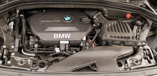 Egy új korszak hajnala: keresztmotor BMW-ben