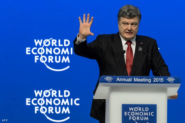 Petro Porosenko ukrán elnök felszólal a 45. Világgazdasági Fórum egyik ülésén a svájci Davosban 2015. január 21-én.