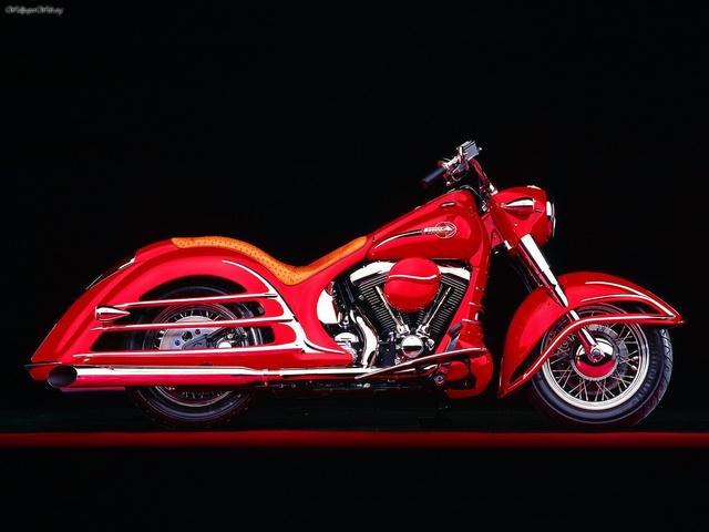 Bob Dron, a neves Harley kerekedő Heritage Royale-ja