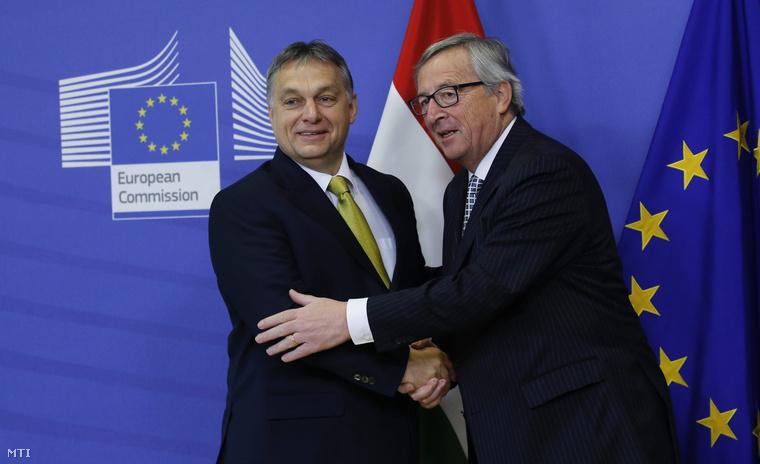 Jean-Claude Juncker az Európai Bizottság elnöke (j) fogadja Orbán Viktor miniszterelnököt a bizottság brüsszeli székházában 2015. január 23-án.