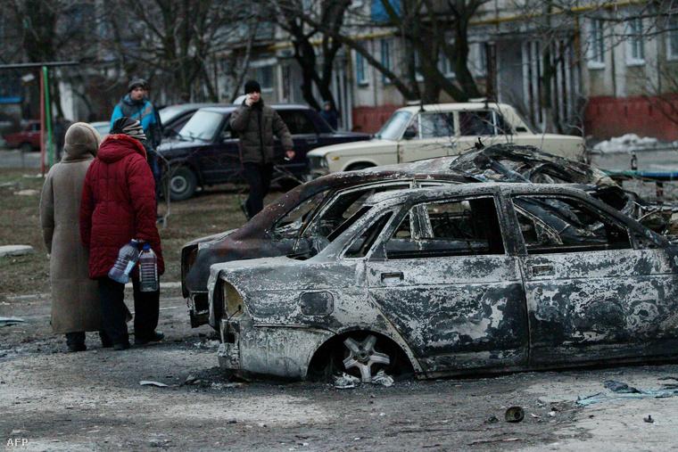 Kiégett autók Mariupolban