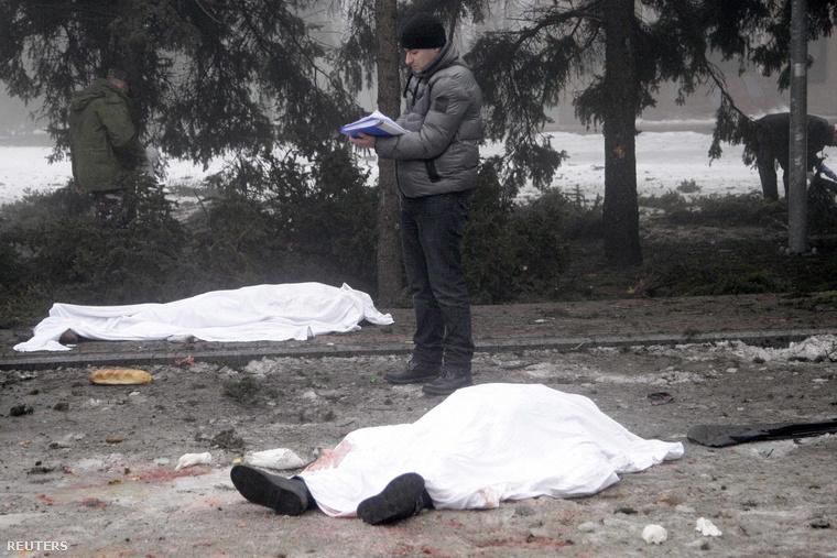 Halottak pénteken egy donyecki utcán