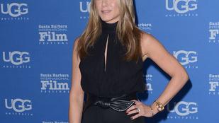 Jennifer Aniston a Charlie angyalainak öltözött