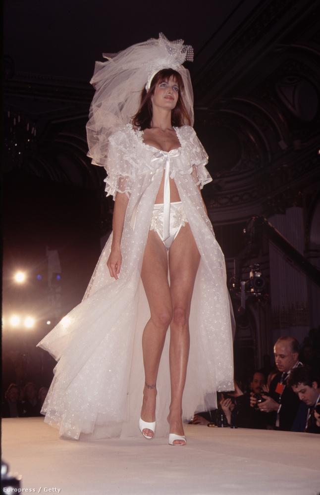 Ha valaki igazán menő a modellszakmában egyszer tuti, hogy végig kell vonulnia a Victoria's Secret egyik divatbemutatóján, bugyiban