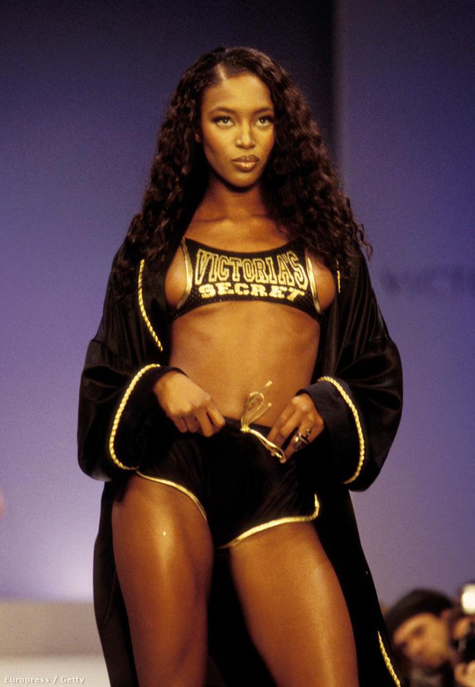 Naomi Campbell 97-ben vette fel ezt a nagyon ízléses Victoria's Secret szettet