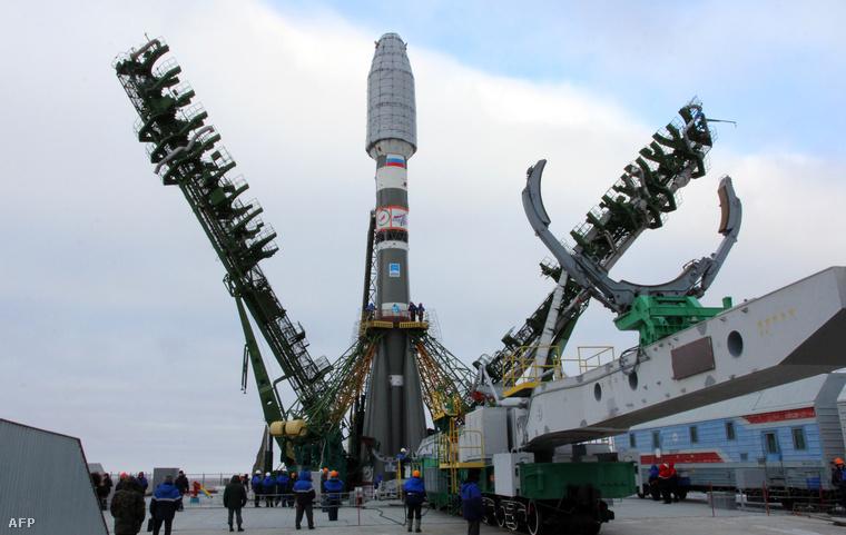 Globalstar műholdak várnak kilövésre egy Szojuz-2.1a rakétán Bajkonurban, 2012 Február