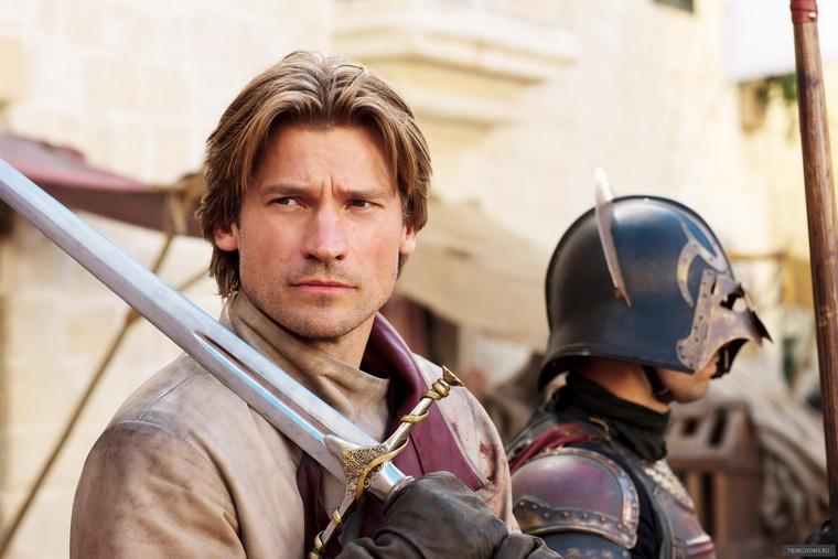 Dráma, vígjáték, sci-fi, fantasy és egy jóképű főhős - itt az új Brad Pitt?
