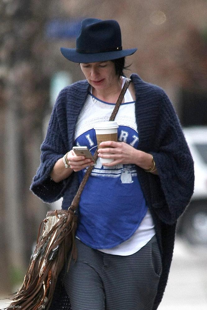 A színésznő mindezt nem erősítette meg, de tény, hogy inkább várandósnak néz ki, mint nem.