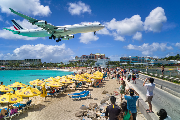 Sint Maarten, Karib-térség.