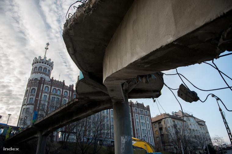 A gyalogos híd utolsó napjai