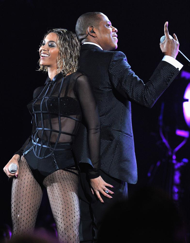 2014-ben meg a férje, Jay-Z mellett ugrált