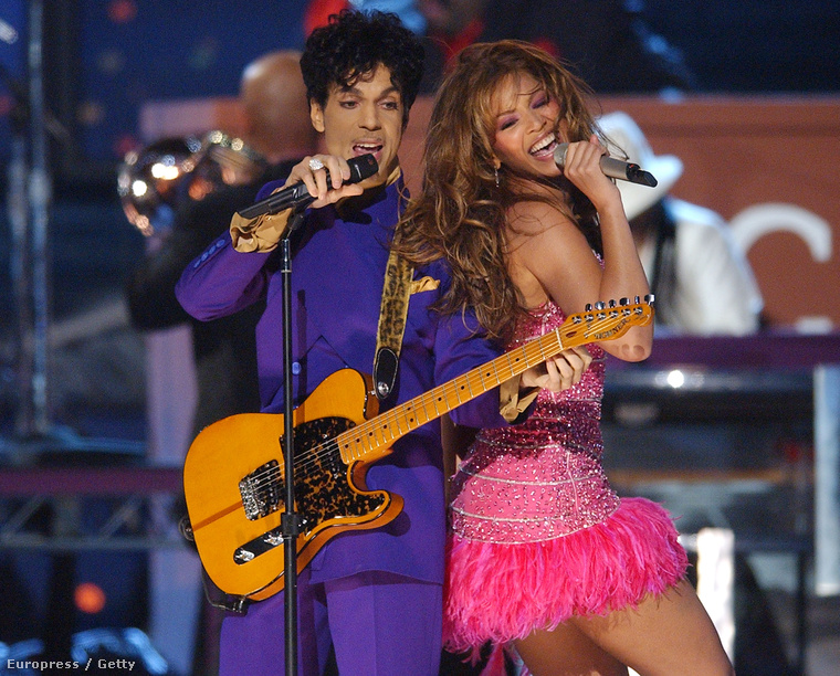 2004-ben már egyedül riszált Prince mellett.