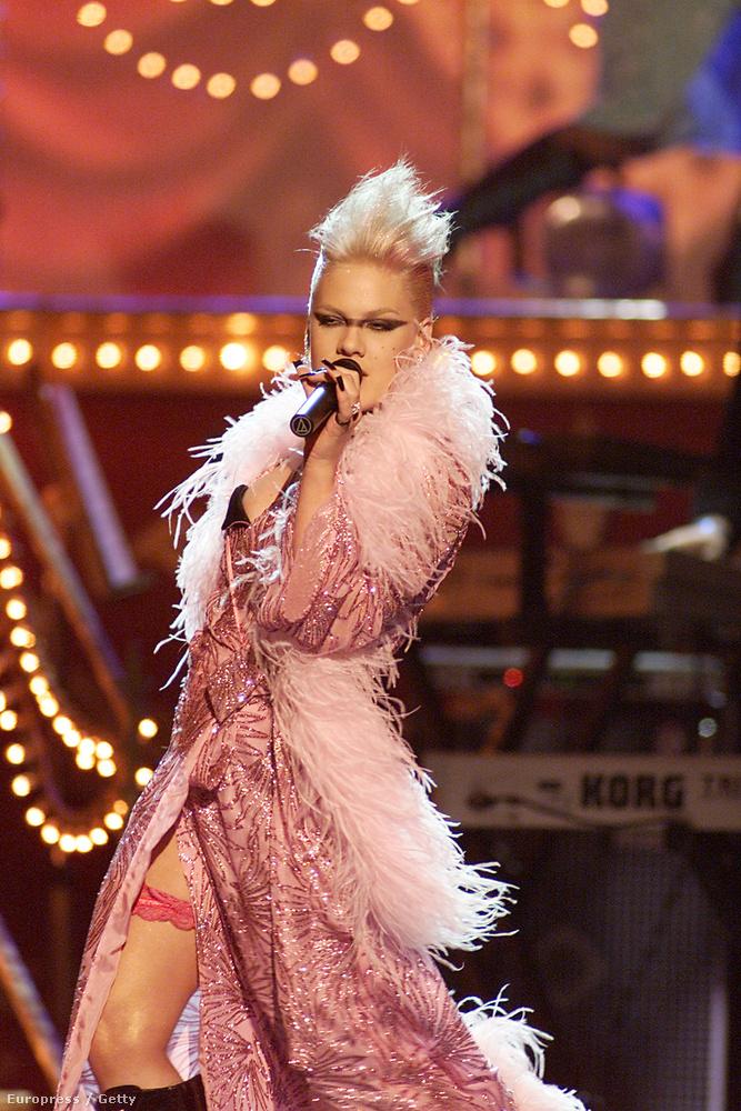 Pink 2002-ben