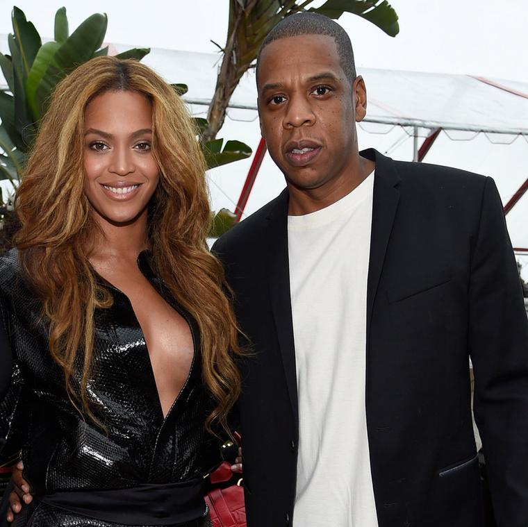 Beyoncé fétispornósnak öltözött.