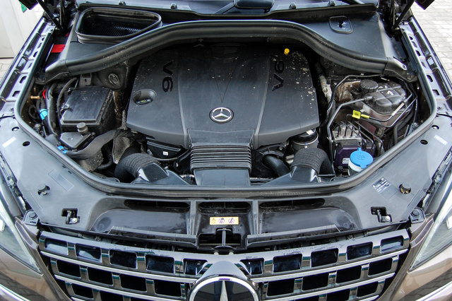 Meglehetősen hátra van tolva a V6-os motor