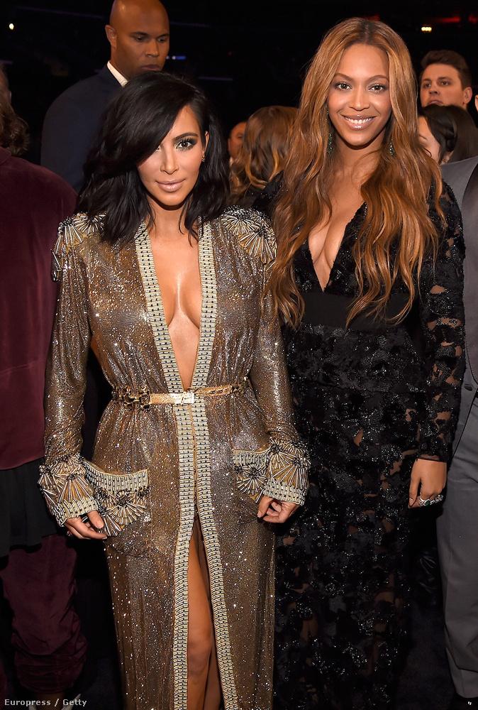 Nem csak Minaj, hanem természetesen Kim Kardashian is közszemlére tette mellközét, ebben pedig Beyoncé is támogatta őt.