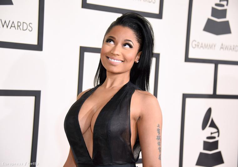 Persze az sem mellékes, hogy egy csomó tehetséges zenészt díjaztak az idei Grammy-díjátadón, de azt is fontos lenne már eldönteni, hogy Kardashian, Beyoncé, vagy Nicki Minaj dekoltázsa volt mélyebb, szebb, vagy jobb!