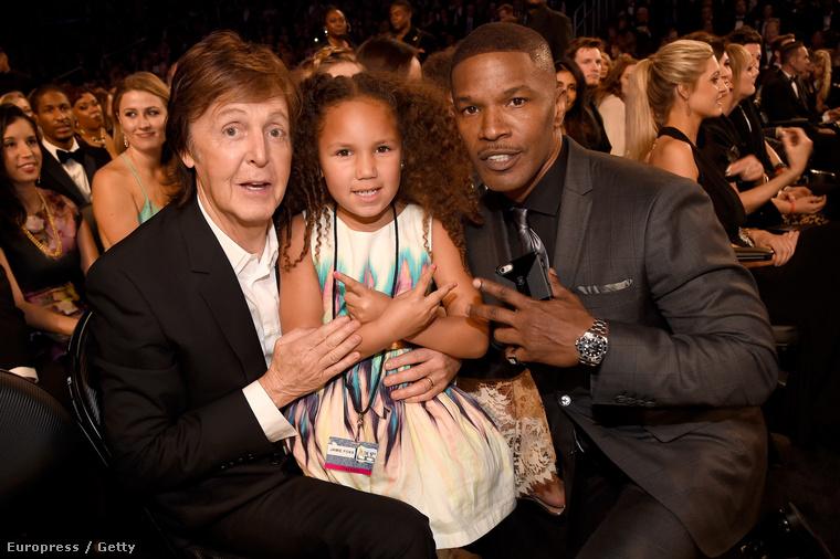 A színész rendszeresen magával viszi ötéves lányát a nagyobb eseményekre, és ha már ott vannak, akkor a közös képek sem maradhatnak ki