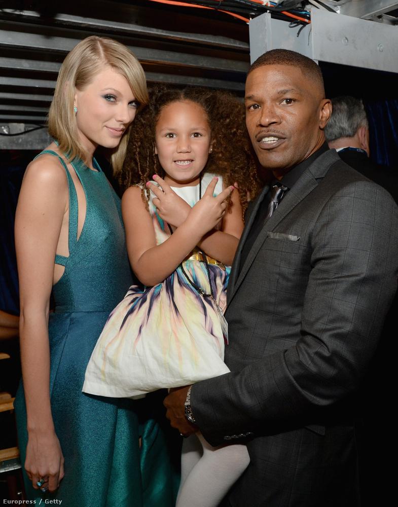 Taylor Swift, Annalise Bishop és Jamie Foxx