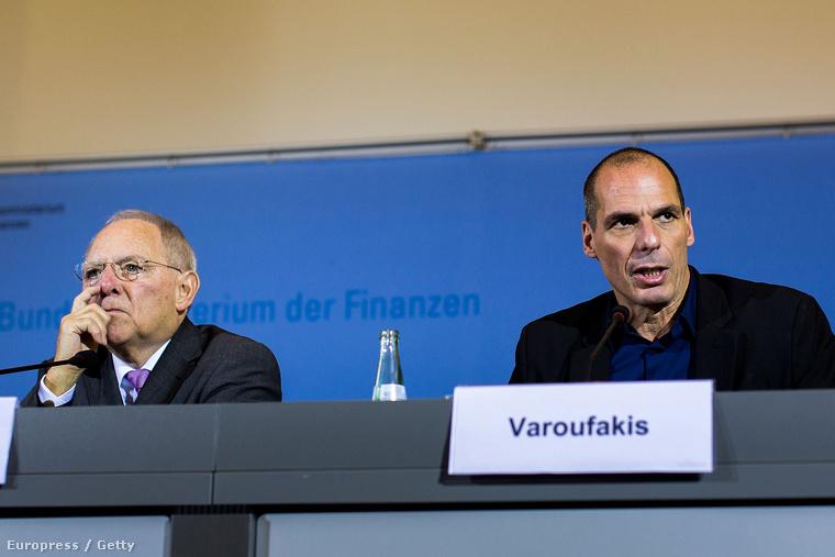 Janisz Varufakisz görög pénzügyminiszter és Wolfgang Schäuble német pénzügyminiszter Berlinben, 2015. február 5-én.