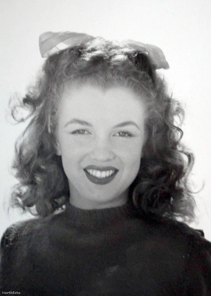 Monroe-t akkor még Norma Jeane Mortensonnak hívták