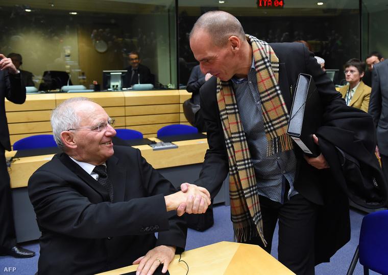Jannisz Varufakisz görög pénzügyminiszter ésWolfgang Schauble német pénzügyminiszter Brüsszelben, 2015. február 11-én.