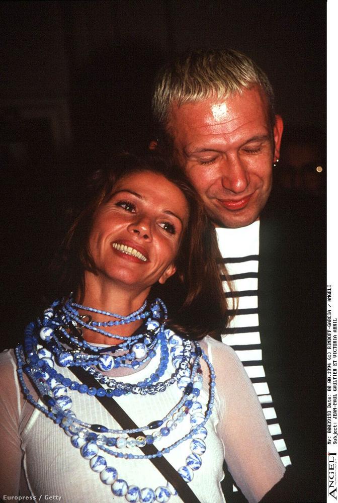 1994-ben Jean-Paul Gaultier-hez bújik Párizsban