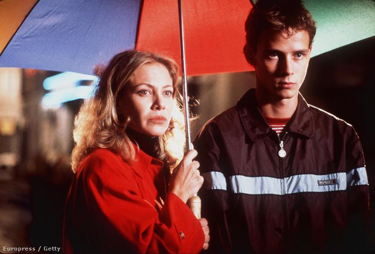 Cecilia Roth és Eloy Azorin a Mindent anyámról című 1999-es Almodovar-film kezdő jelenetében