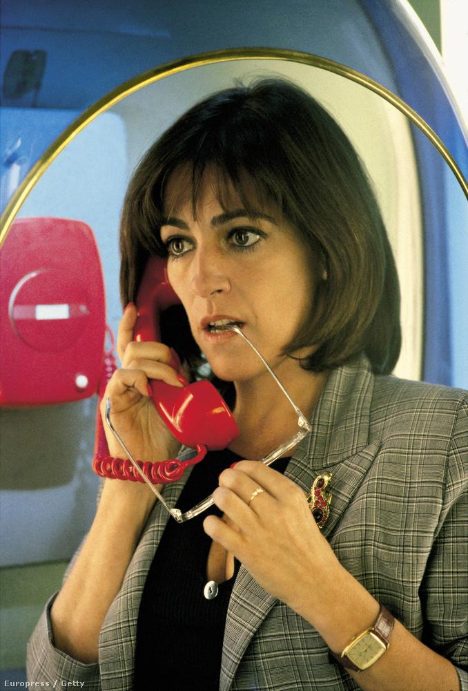 Carmen Maura az Asszonyok a teljes idegösszeomlás szélén egyik jelenetében, 1988-ban.
