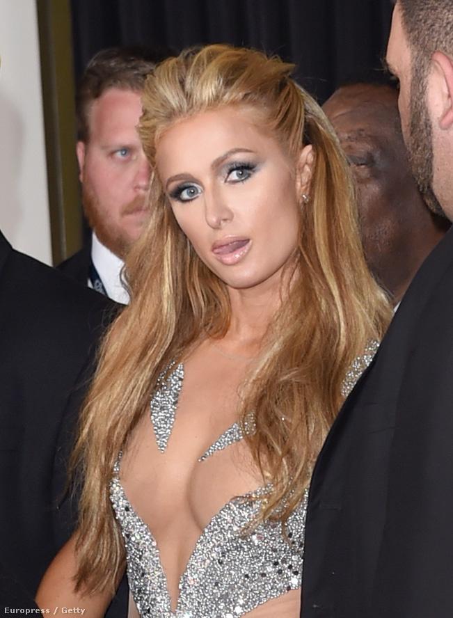 A Grammy gálán végre csillivilli szettbe öltözhettek a mellek.
