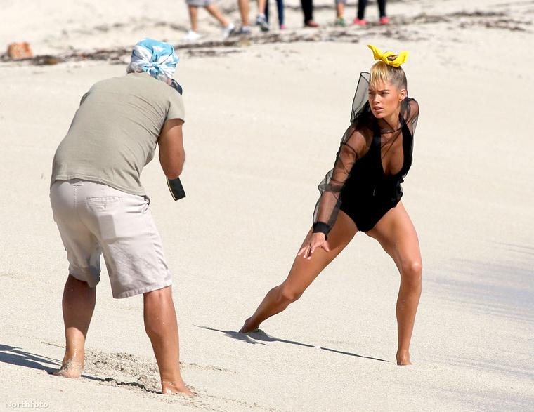 Az van, hogy Doutzen Kroest Miamiban fotózták, hiszen egy modellről van szó, aki ráadásul a Victoria's Secret fehérneműit szokta reklámozni