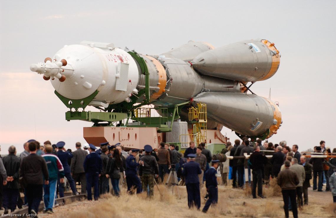 Egy forgalomból kivont Szojuz TMA-2 Bajkonúrban.