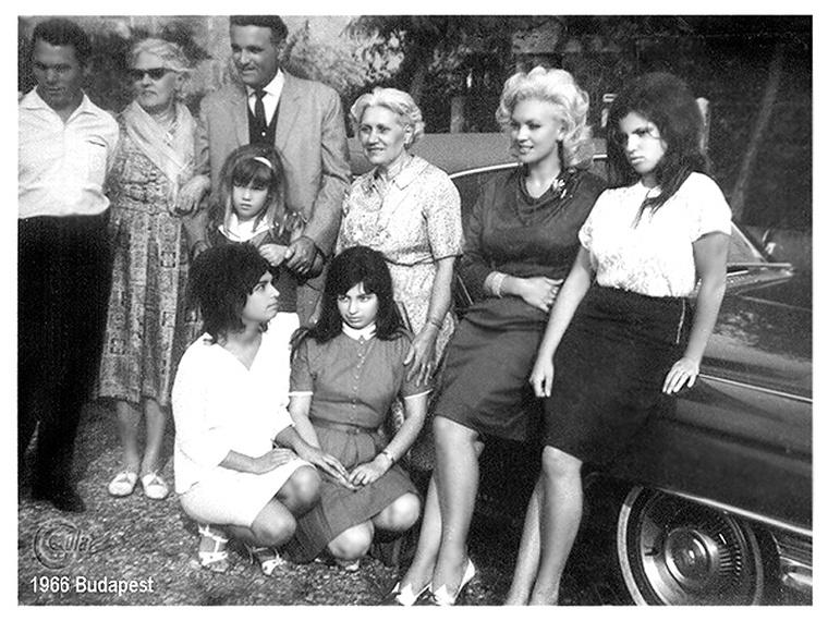 Eva Six és családja Budapesten 1966-ban