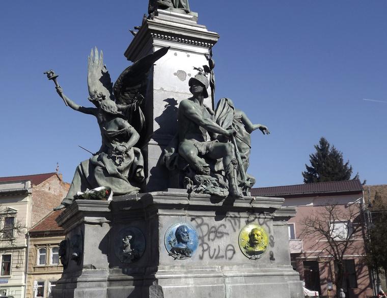 A megrongált aradi Szabadság-szobor