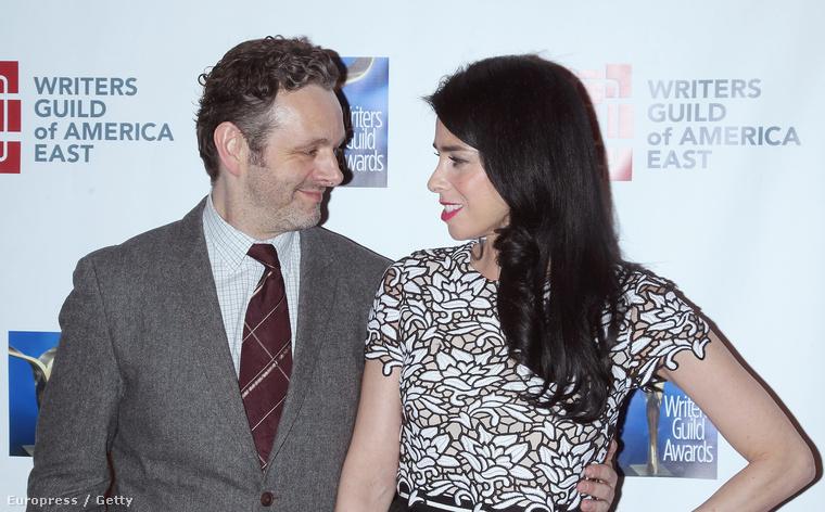 És napjaink egyik álompárja, Michael Sheen és Sarah Silverman is megmutatta magát, nekünk róluk, pontosabban csak Sheenről sajnos csak az jut eszünkbe, hogy mikor folytatódik már a Masters of Sex.