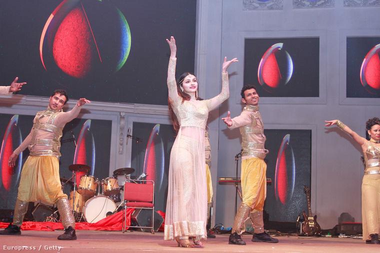 Női fellépő is volt természetesen, Prachi Desa, szintén Bollywoodból