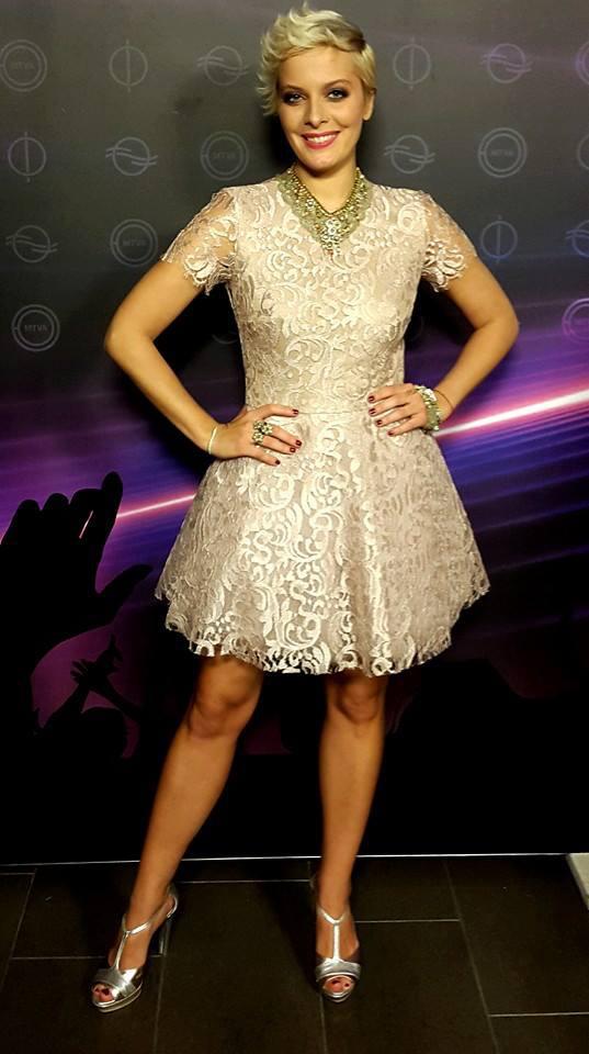 Tatár Csilla ezt a ruhát viselte az első elődöntőben - így debütált a köztévén.
