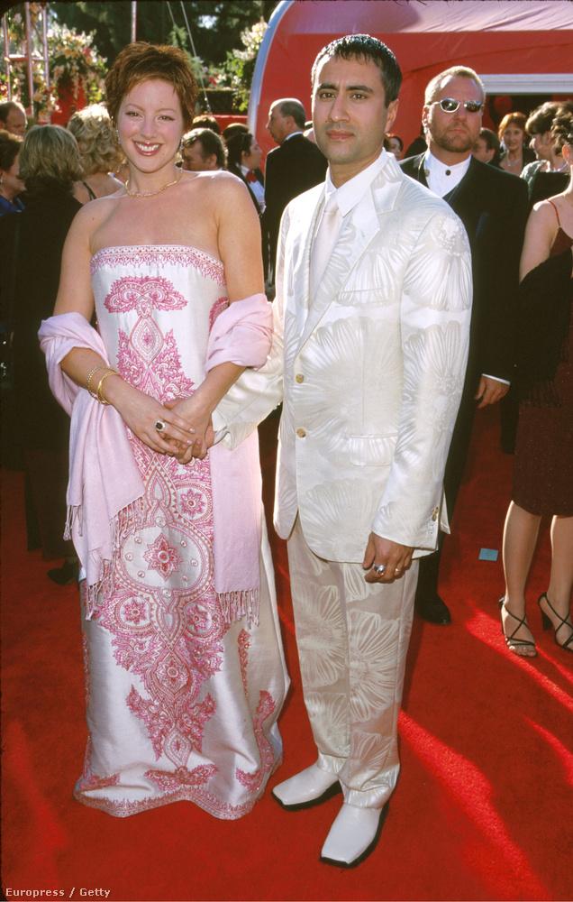 ÉS most jól nézzék meg ezt a nőt, aki a férjével ment 2000-ben az Oscar-díjkiosztóra: