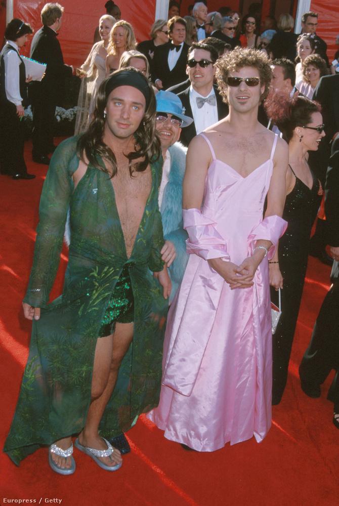 Trey Parker és Matthew Stone Jennifer Lopez és Gwyneth Paltrow korábbi, emlékezetes ruháiban mentek vörös szőnyegre
