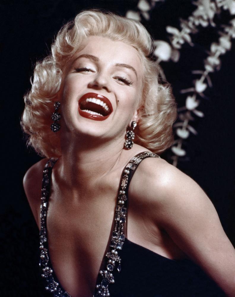 Ha tényleg az előző kép lenne az igazság, azért jobban tette Monroe, hogy inkább a 50-es éveket választotta