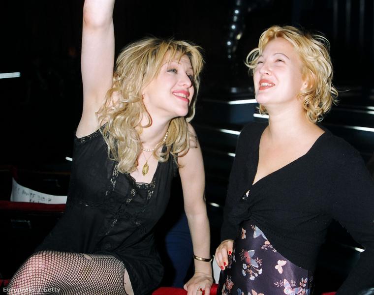 Viszont nagyon jóban volt Courtney Love-val