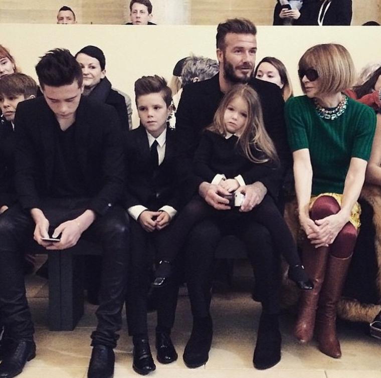 A new york-i divathéten a legidillibb család címe viszont mindenképpen a Beckhameké
