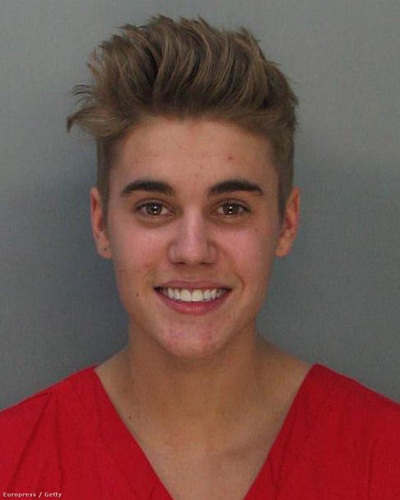 Justin Bieber természetesen drogügybe keveredett.