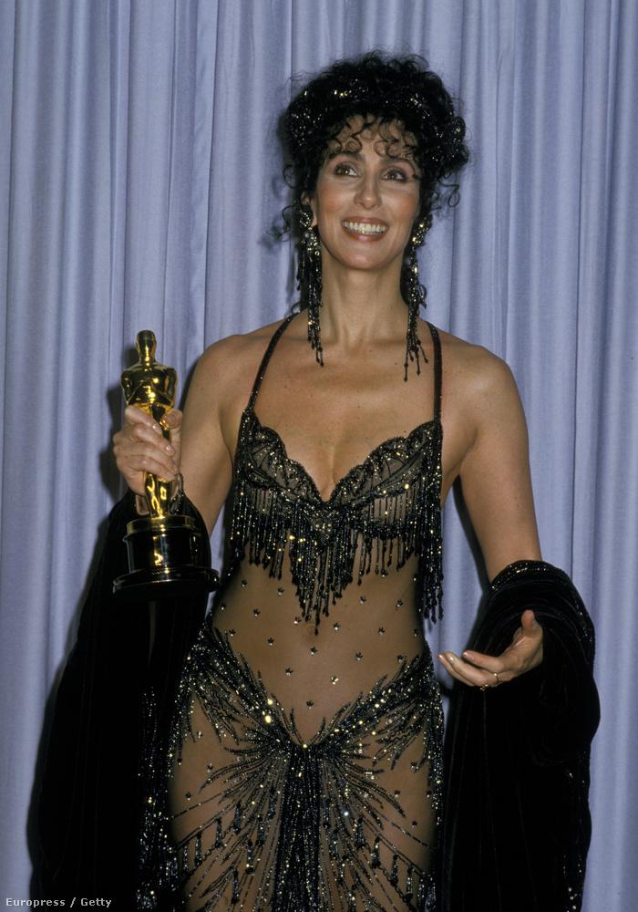 Chernek nem ment át az üzenet (1988, a Holdkórosokért díjazták).