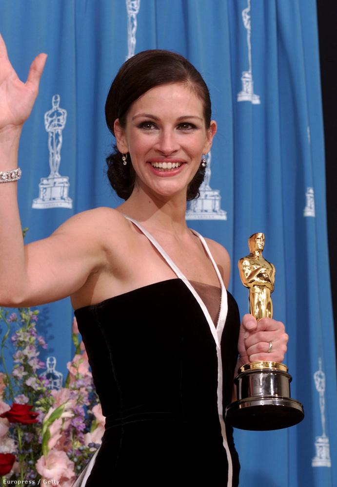 Julia Roberts, ha még emlékeznek, a 2001-es Oscarját mindenkinek megköszönte, épp csak Erin Brockovichnak nem, akit a filmben alakított