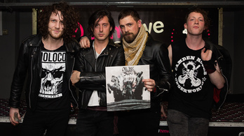 Carl Barat and the Jackals: Let It Reign