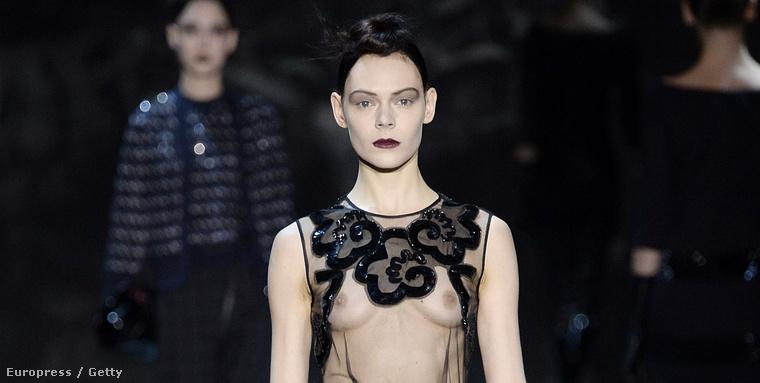 Marc Jacobs egyik modellje a New York-i divathéten